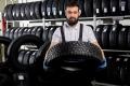 Специфика шипованной резины: кому и зачем потребуются зимние шипованные шины